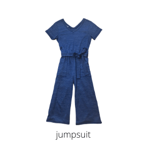 this jumpsuit is my favorite piece in my summer capsule wardrobe!