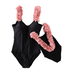 these mommy and me swimsuits are so awesome!